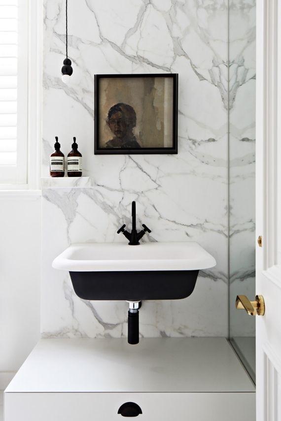 Un accento nero nella vostra sala da bagno la chaise bleue for Sala da bagno design