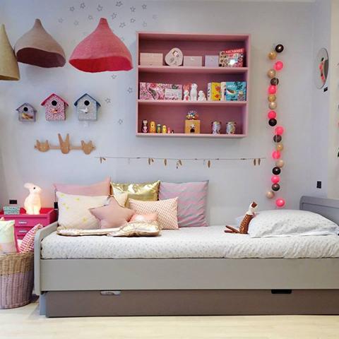 3girls - Kids Room - La Chiase Bleue via laurettedeco
