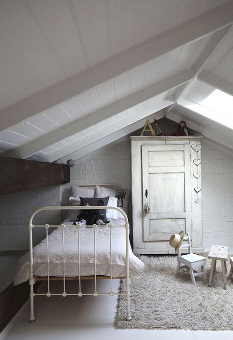5girls - Kids Room - La Chiase Bleue via whitingarchitects