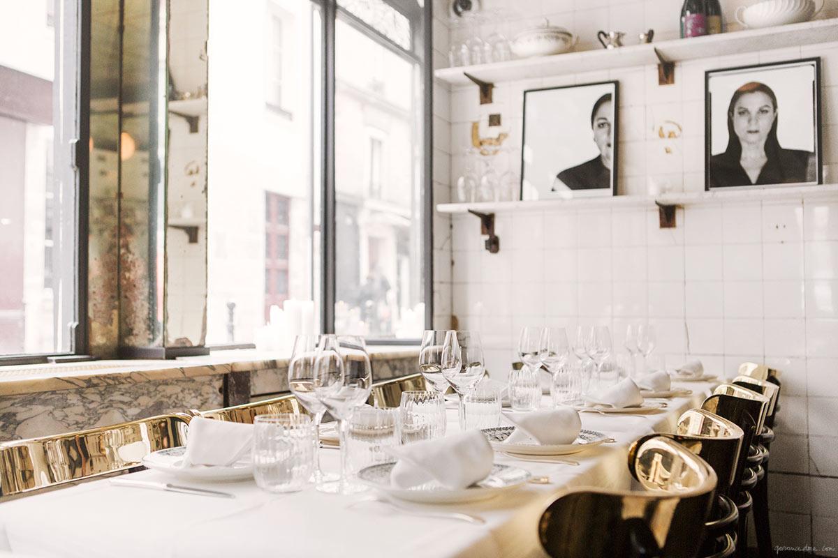 Anahi restaurant in paris by maud bury la chaise bleue - Chaise greenwich treca interiors paris ...